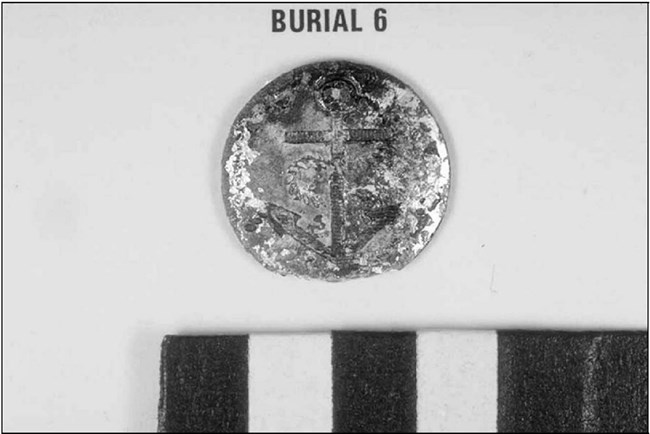 Button found with Burial 6