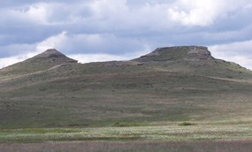 The Fossil Hills on a spring day.