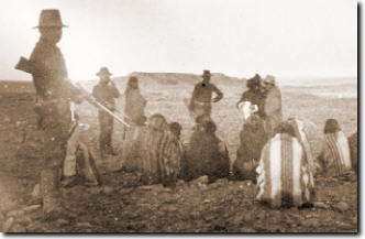 Soldiers guarding Hopi prisoners, 1994