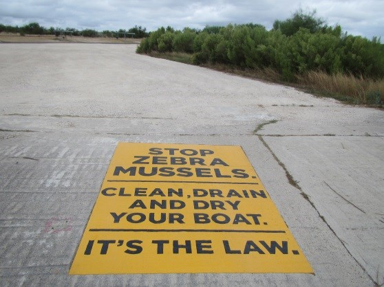 Boat Ramp sign about aquatic invasives