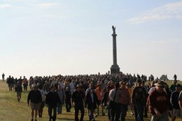 Large group of battlefield visitors