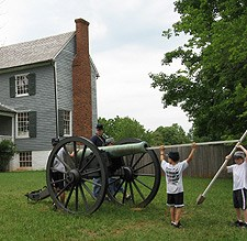 So, just how big was a Civil War cannon?