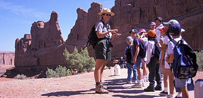 Moab second graders on a field trip to Park Avenue