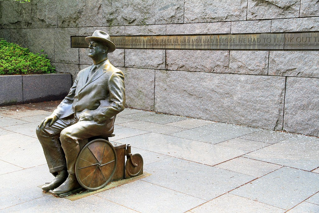 Statue of President FDR in a wheelchair.