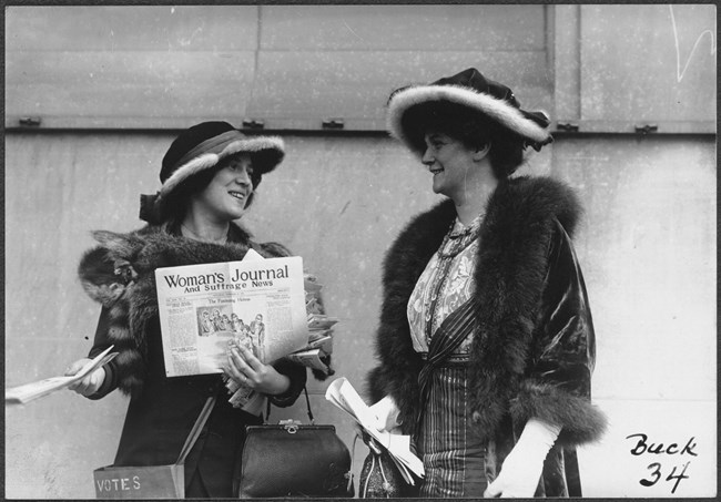 margaret foley distributing suffrage news. Coll. Library of Congress