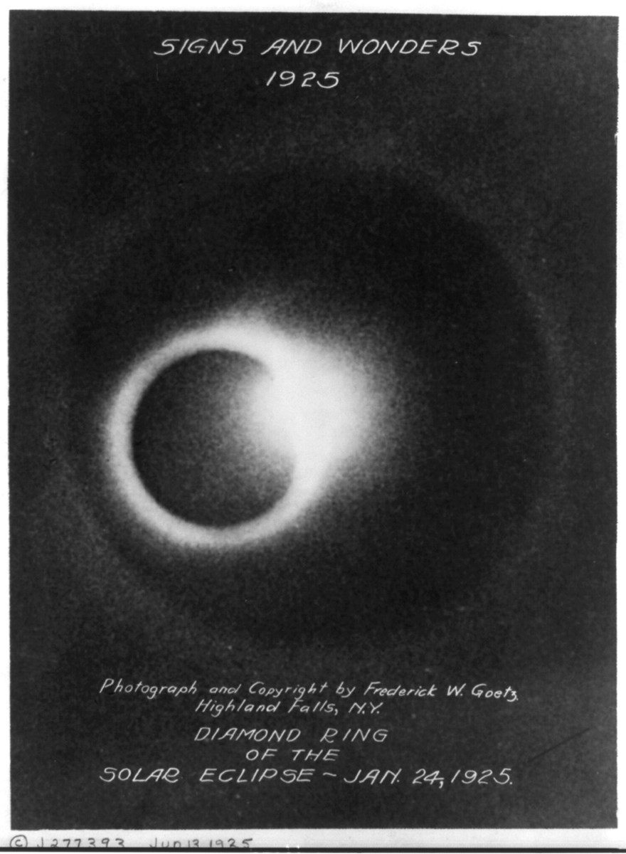Black and white photo of the 1925 Solar Eclipse