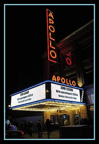 The exterior of the Apollo Theater at night