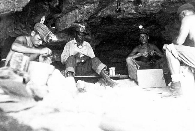 ccc workers at rampart cave