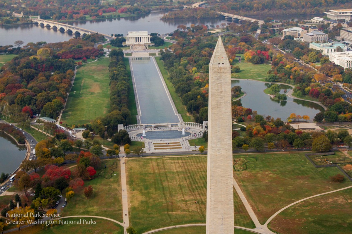 Aerial photo of Washington Monument and Reflecting Pool