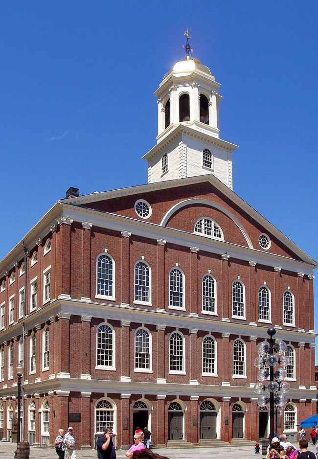 Color photo of the exterior of Faneuil Hall