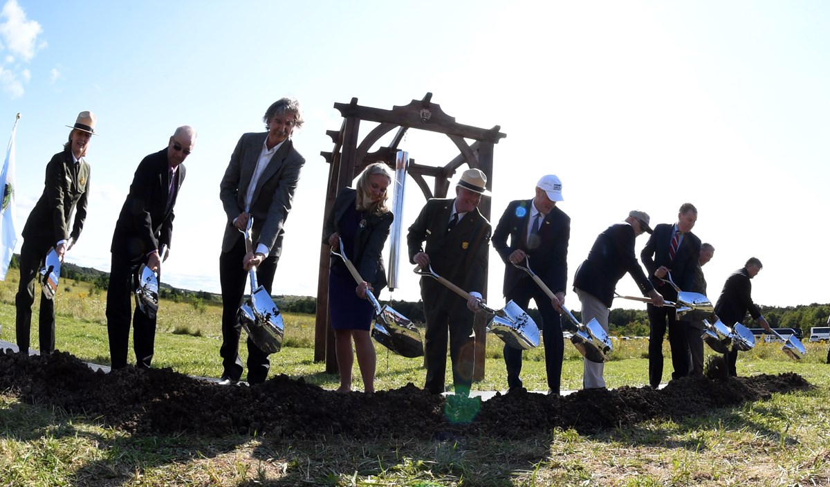 (Left) Acting Northeast Region Director Cindy McLeod, Stonycreek Township Supervisor Greg Walker, Architect Paul Murdoch, Families of Flight 93 and Families of Flight 93 Tresuer Emily Schenkel, Superintendent Steve Clark, Secretary of Interior Zinke, Frie