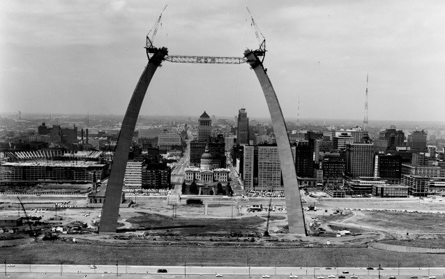 photo of the arch being built, nearing completion
