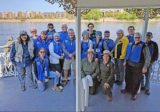 Members of the Mississippi National River & Recreation Area volunteer program