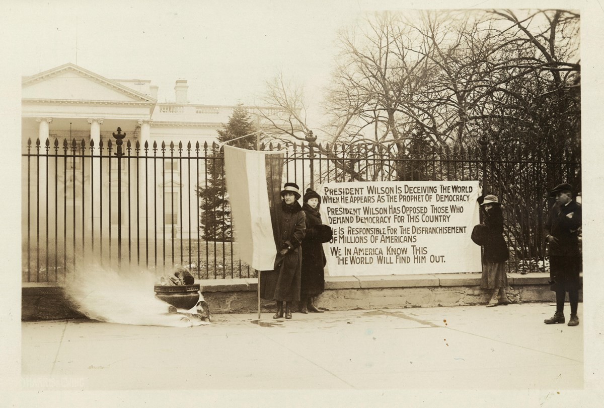 National Womans Party Watchfire outside White House Jan 1919 LOC