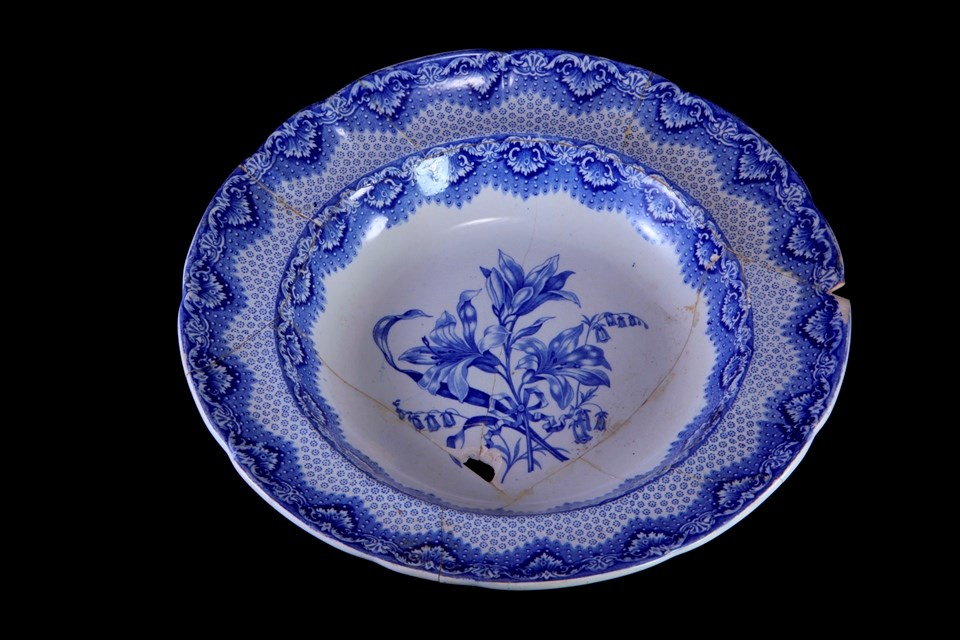 Blue transferprint Spode plate with floral pattern.