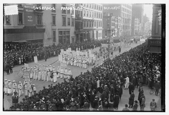 1915 suffrage parade in New York City. Coll LOC