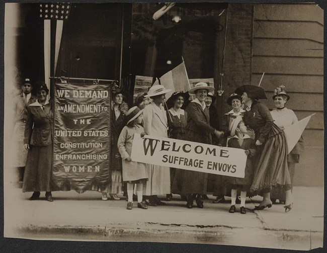 Suffrage Envoys from San Francisco greeted in NJ (Library of Congress)