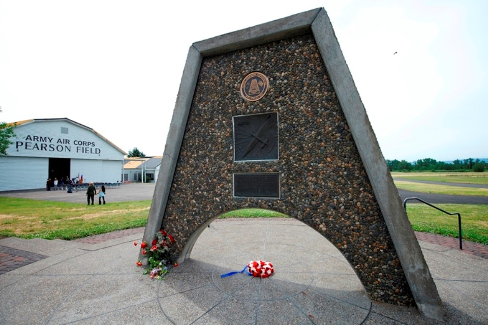 Photo of Chkalov monument decorated by wreaths