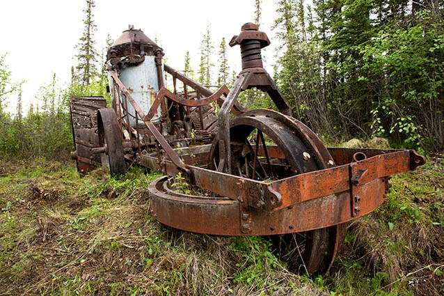 The Best-brand traction engine in Yukon-Charley Rivers National Preserve may be missing parts, but it remains an impressive sight for travelers on the Yukon River today. NPS photo courtesy of Yasunori Matsui