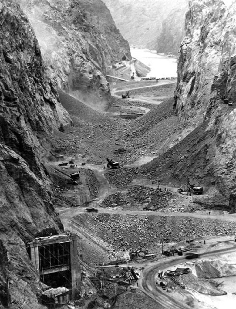Tools and pathways through canyon while building Hoover Dam. (Bureau of Reclamation; Ben Glaha, photographer)