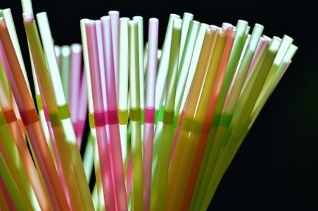 handful of multi-colored straws
