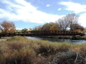 Pedestrian bridge over the Animas River