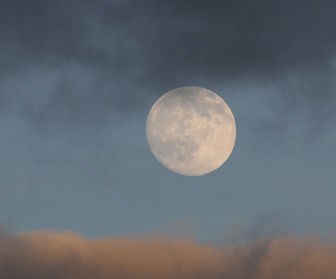 cloudy sunset moon