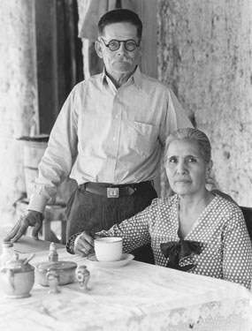 Juan and Chata Sada at their Boquillas, Texas resturaunt, 1936.