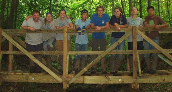 2007 SCA Crew standing on new bridge
