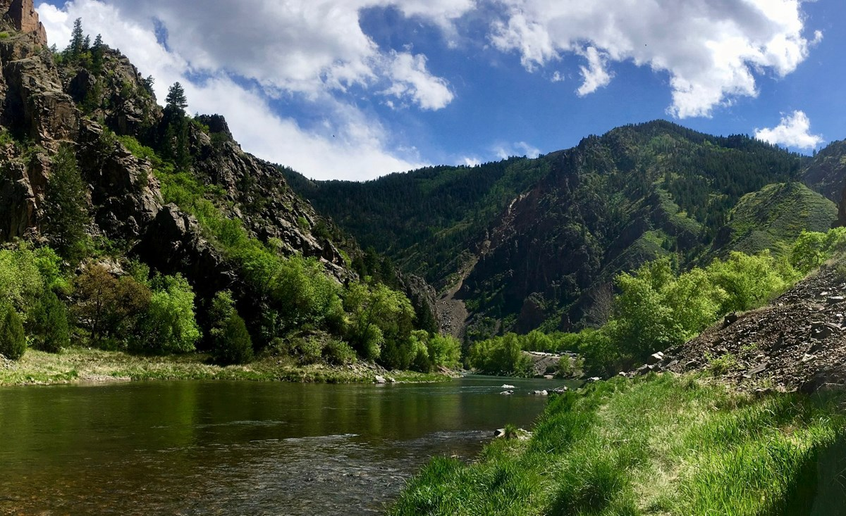 Gunnison River with gently sloping canyon walls