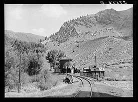 Cimarron Railroad Station. Photo by Russell Lee
