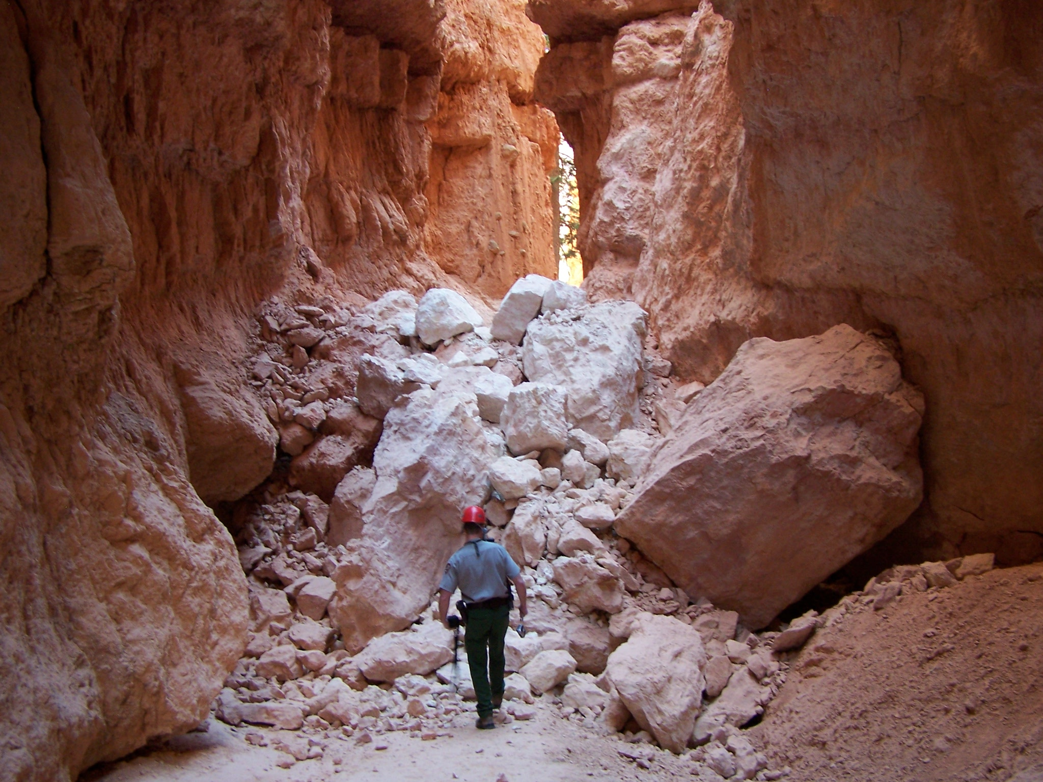Bryce Canyon Chief Ranger McGinn inspects rock slide along the Navajo Loop Trail