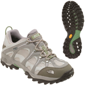 Hiking shoe with lug traction