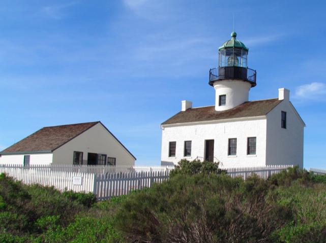 Lighthouses 2017 Wall Calendar downloads torrentgolkes