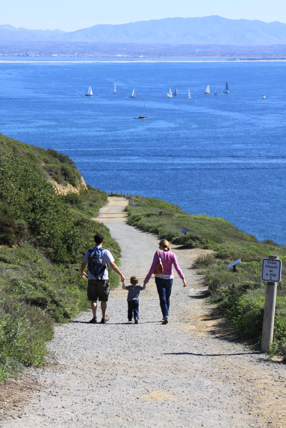 Family hiking along the Bayside Trail