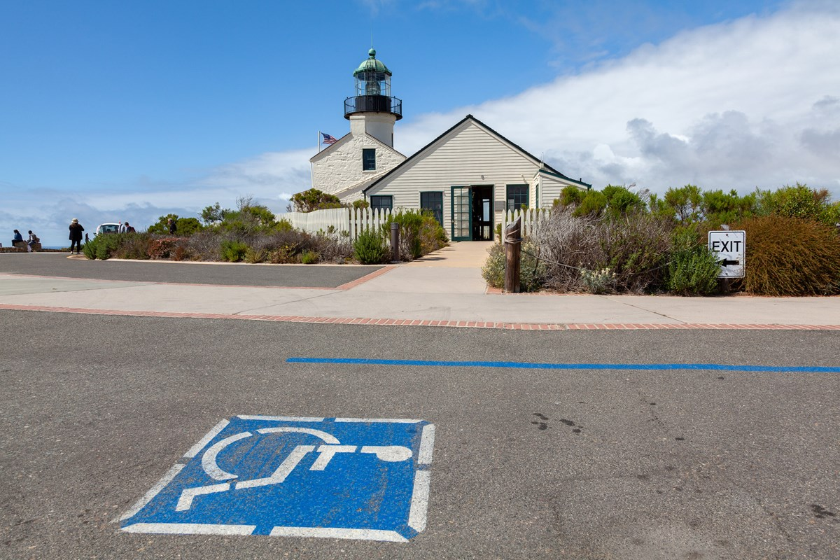 Photo showing accessible parking by lightouse