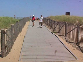 \\Inpcacosvrhq\marconi\EVERYONE\Climate Friendly Parks\CFP Action Plan\Web Page materials\photos\recycled plastic lumber at Race Point Boardwalk