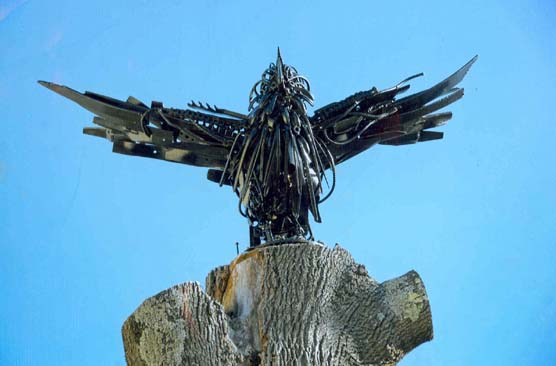 metal sculpture by Stephen Thomas