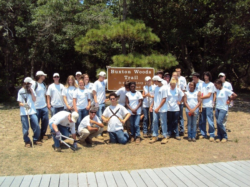 Image of Youth Conservation Corps group at the Buxton Woods Trailhead