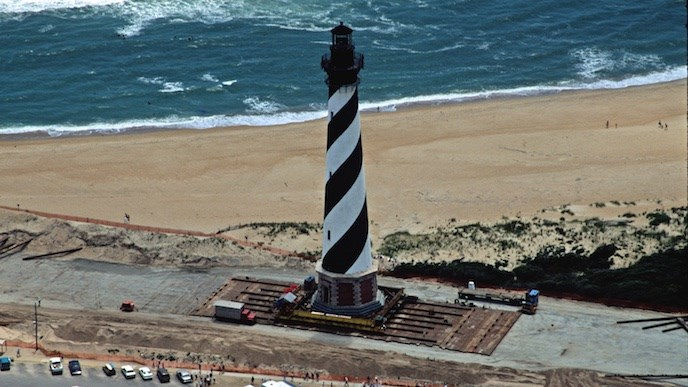 Moving the Cape Hatteras Lighthouse in 1999