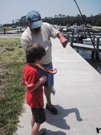 Learning to safely remove the hook from a pinfish