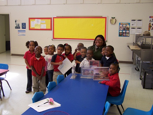 Ranger Jessica Scott with students from the Martin Luther King Head Start Program.