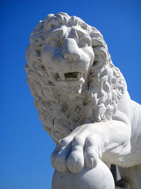 Statue of a lion at Bridge of Lions in St Augustine, Florida