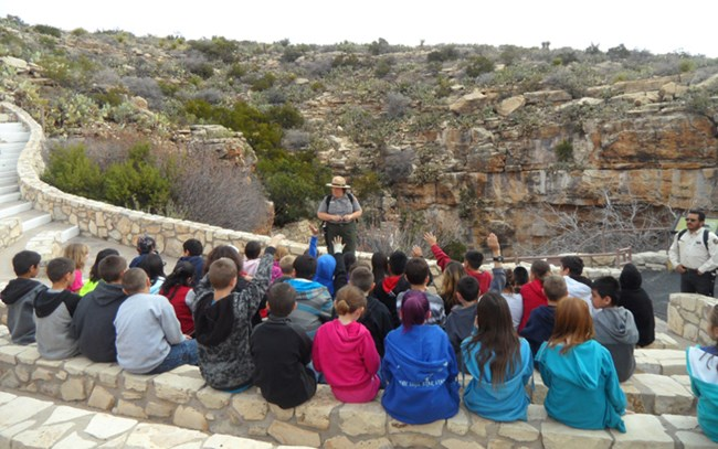 Photo of 4th grade field trip at the Natural Entrance.