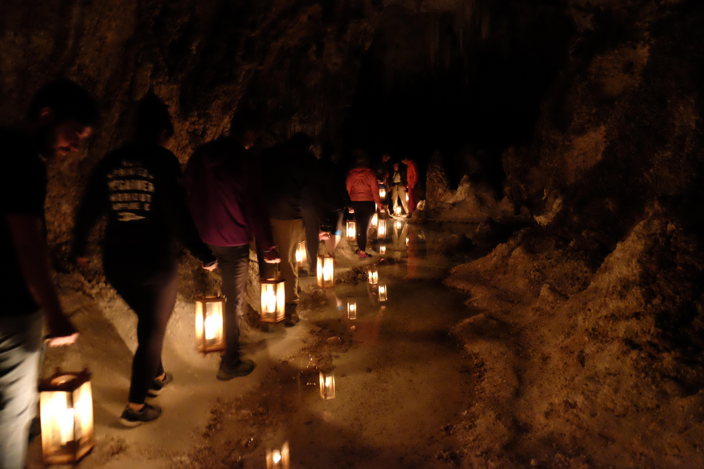 left hand tunnel tour carlsbad caverns national park u s