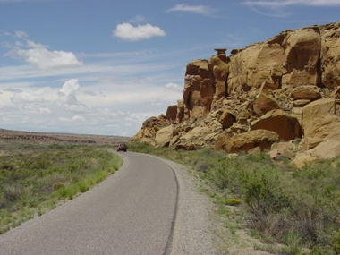 Photo of the canyon loop drive through Chaco Canyon