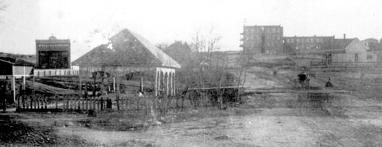 1905 black and white picture of Sulphur, OK showing Pavilion Springs and the Bland Hotel.