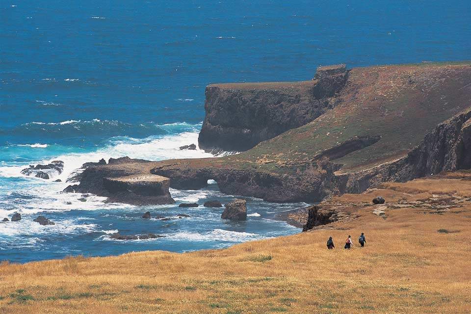 hiking santa barbara island