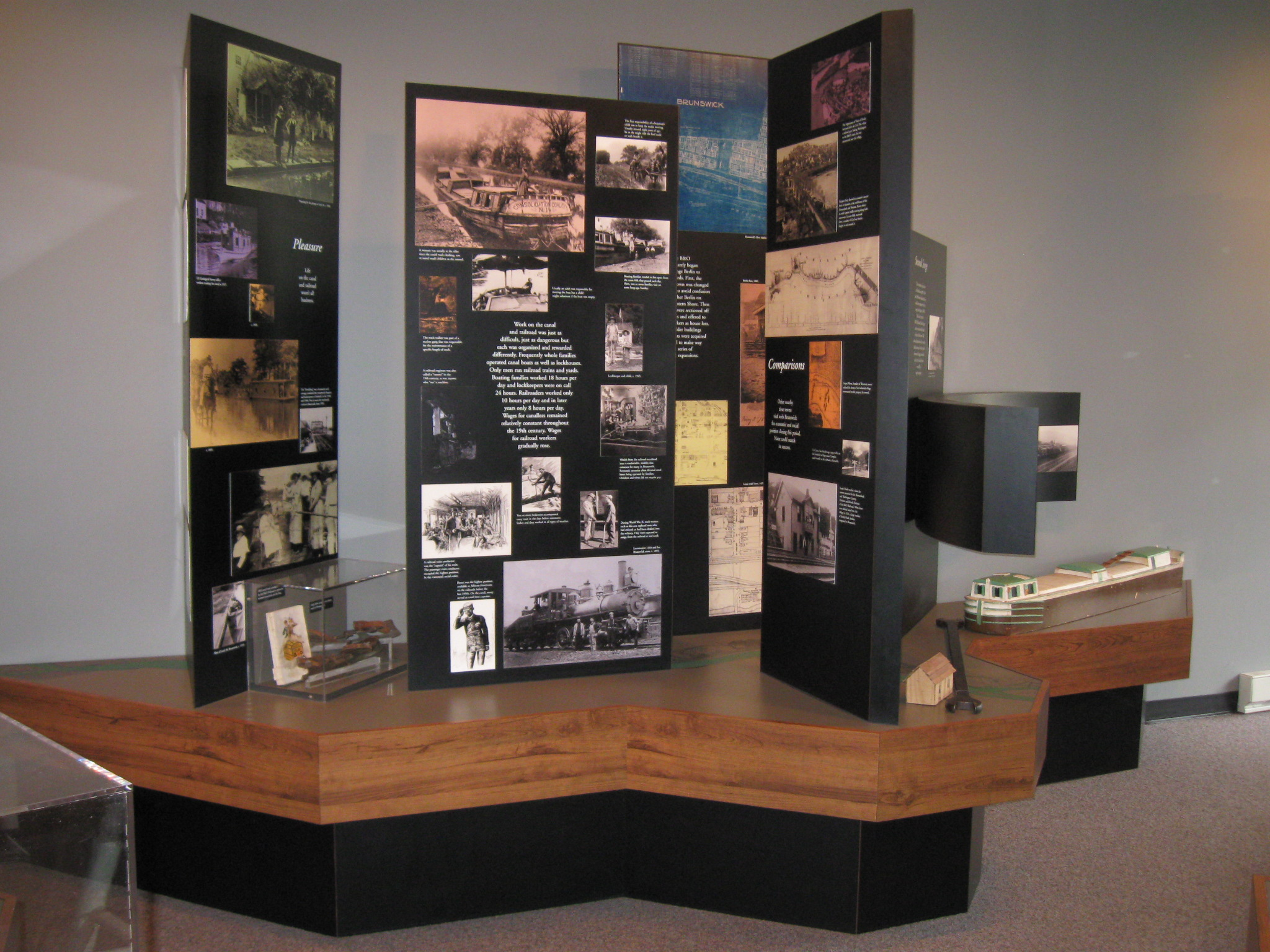 Exhibits in the Brunswick Visitor Center