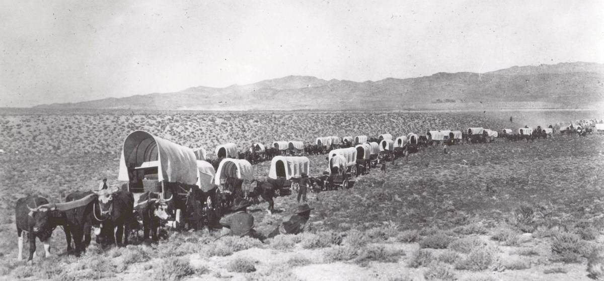 wagon train traveling along the California Trail